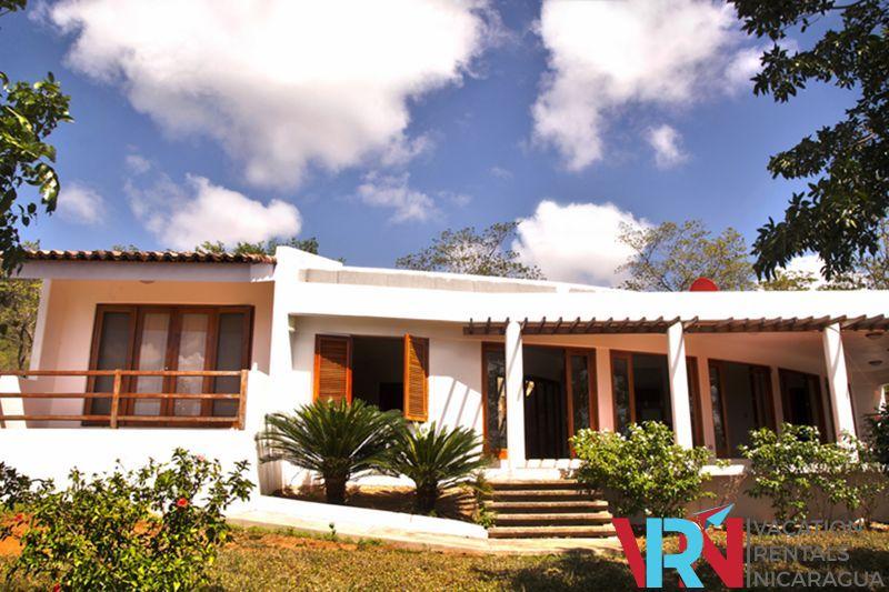 Nicaragua vacation rental and nicaragua hotel reservations for Villas jazmin 2 yautepec